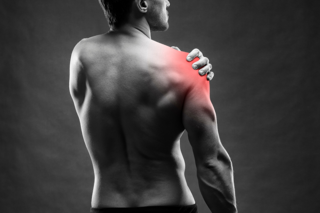 Picture of a patient needing shoulder pain treatment.